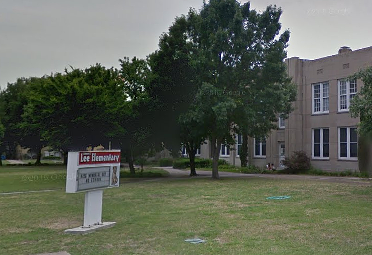 Robert E. Lee Elementary School - Dallas, TX (Google Maps)